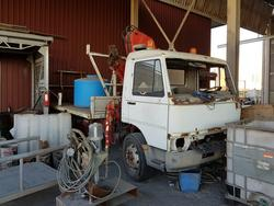 Iveco 109 truck with crane - Lot 45 (Auction 2504)