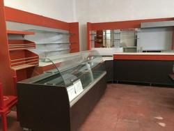 Coffe bar and bakery furnishings - Lot 10 (Auction 2522)