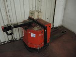 BT electric pallet truck - Lot 20 (Auction 2536)