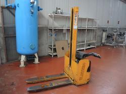 Electric pallet truck - Lot 31 (Auction 2536)