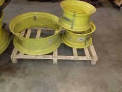 John Deere original rims - Lot 18 (Auction 2560)