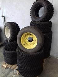 Lot of tires of various sizes - Lot 22 (Auction 2560)