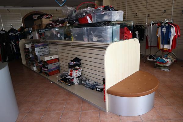 310#2697 Mobili espositori per negozi - Forlì Cesena - Emilia ...