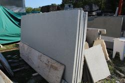 Lastre di pietra Serena e marmo Trani - Asta 2702