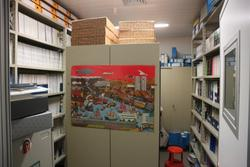 Lightweight shelf and office furniture - Lot 26 (Auction 2711)