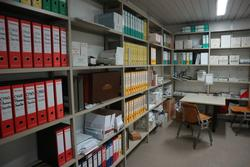 Furniture and office equipment - Lote 49 (Subasta 2712)
