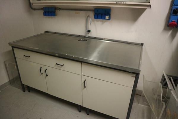15#2715 Arredi laboratorio