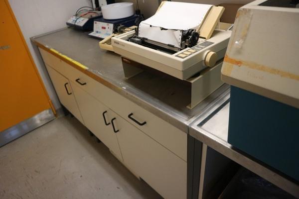 16#2715 Attrezzature laboratorio
