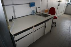 Workbenches and wall units - Lot 32 (Auction 2715)