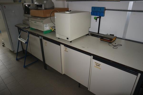 34#2715 Arredi laboratorio