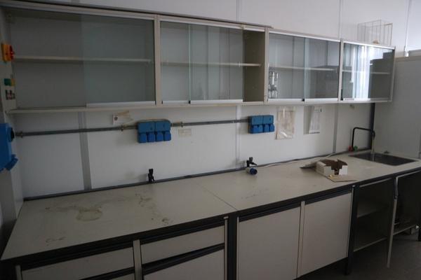 9#2715 Arredi laboratorio