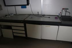 Laboratory workbenches - Lot 25 (Auction 2717)