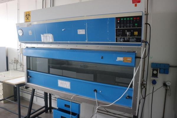 Strumenti da laboratorio usati vendita attrezzature for Arredi laboratorio