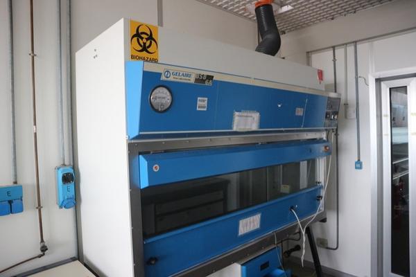 33 2717 cappa gelaire e arredi laboratorio chieti for Arredi da laboratorio
