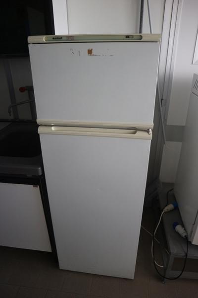 33 2717 cappa gelaire e arredi laboratorio chieti for Arredi laboratorio