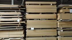 Lastre di legno e levigatrice Baldoni - Lotto 0 (Asta 2759)