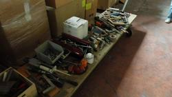 Work tools and glue - Lot 114 (Auction 2759)