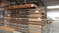 Pallets of laminated plates - Lot 16 (Auction 2759)