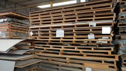 Pallets of laminated plates - Lot 18 (Auction 2759)