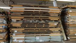 Pallets of laminated plates - Lot 20 (Auction 2759)