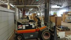 Om forklift - Lot 56 (Auction 2759)