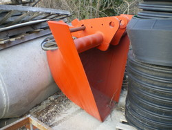 Conveyor belts buckets and various equipment - Lot  (Auction 2762)