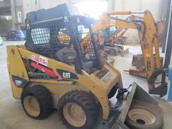 Caterpillar 226B skid steer loader - Lot 1 (Auction 2793)