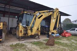 Cat backhoe loader - Lot 13 (Auction 2799)