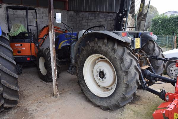 Immagine n. 1 - 15#2799 Trattore New Holland 40-20