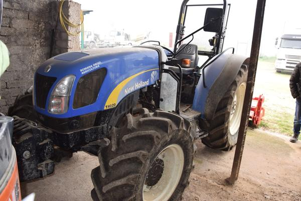 Immagine n. 3 - 15#2799 Trattore New Holland 40-20