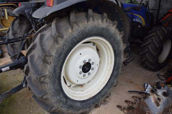 Immagine n. 9 - 15#2799 Trattore New Holland 40-20