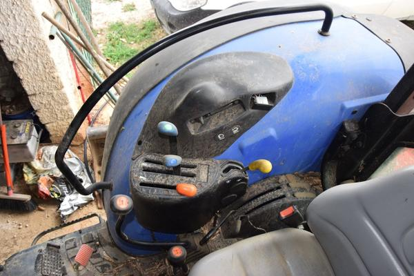 Immagine n. 13 - 15#2799 Trattore New Holland 40-20