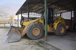 New Holland wheel loader - Lot 17 (Auction 2799)
