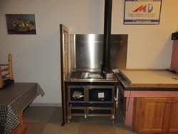 Wood stove - Lot 24 (Auction 2800)