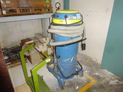 Delfin industrial vacuum cleaner - Lot 1085 (Auction 2803)