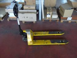 Pallet truck - Lot 1088 (Auction 2803)