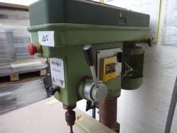 Serrmac column drill - Lot 1105 (Auction 2803)