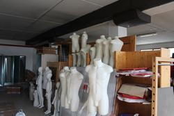 Arredi e attrezzature per negozio di abbigliamento - Asta 2810