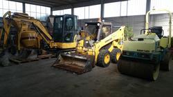 Escavatore minipala Komatsu e rullo compressore Ammann - Asta 2811