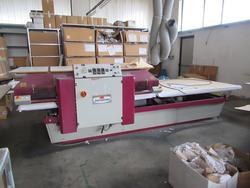 Macchine da cucire Rimoldi e adesivatrice Monti Antonio - Lotto  (Asta 2815)
