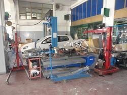 Grazia hydraulic davit and Spin pneumatic disassembling machine - Lot 10 (Auction 2830)
