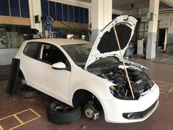 Volkswagen Golf spare parts - Lot 3 (Auction 2830)
