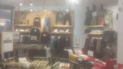 Arredamento da negozio di abbigliamento - Asta 2841