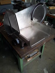 Vetta Macchi Junior 300 Slicer New - Lot 6 (Auction 2853)
