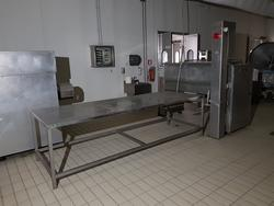 Tavoli e lavabo in acciaio - Lotto 7 (Asta 2866)