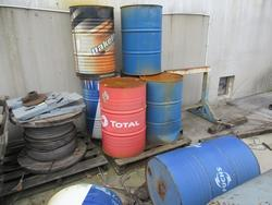 Oil drums for use in hydraulic systems - Lot 11 (Auction 2869)