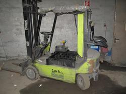 Clark forklift - Lot 7 (Auction 2879)