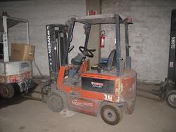 Nissan forklift - Lot 8 (Auction 2879)