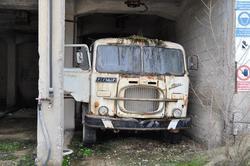 Demolished trucks - Lot 12 (Auction 2892)