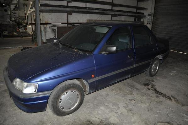 8#2892 Autovettura Ford Orion